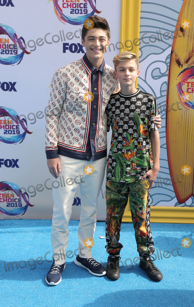 Asher Angel, Avi Angel Photo - 11 August 2019 - Hermosa Beach, California - Asher Angel, Avi Angel. FOX's Teen Choice Awards 2019 held at Hermosa Beach Pier. Photo Credit: PMA/AdMedia