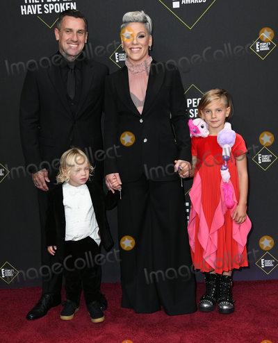 Carey Hart, Pink Photo - 10 November 2019 - Santa Monica, California - Carey Hart, Pink. 2019 People's Choice Awards held at Barker Hangar. Photo Credit: Birdie Thompson/AdMedia