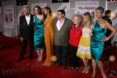 """Andy Fickman, Betty White, Jamie Lee Curtis, Kristen Bell, Odette Yustman, Sigourney Weaver, Jamie Lee, Jamie Salé Photo - Sigourney Weaver, Odette Yustman, Andy Fickman, Betty White, Kristen Bell, Jamie Lee Curtis at the """"You Again"""" Los Angeles Premiere, El Capitan Theater, Hollywood, CA. 09-22-10"""
