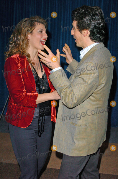 "Nia Vardalos, Alexander Payne Photo - Nia Vardalos and Alexander Payne at the Beyond Words ""The Writers Talk"", Writers Guild Theater, Beverly Hills, CA 02-17-05"