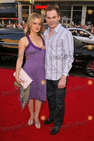"Michael C. Hall, Amy Spanger Photo - Michael C. Hall and wife Amy Spanger at the 4th Season Premiere of HBO's series ""Six Feet Under"" at Grauman's Chinese Theater, Hollywood, CA. 06-02-04"