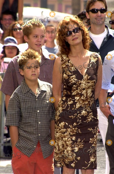 Susan Sarandon Photo - Susan Sarandon with sons Jack and Miles at Sarandon's Star on the Hollywood Walk of Fame ceremony, Hollywood, CA 08-05-02