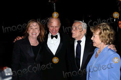 Amy Madigan, Anne Douglas, Ed Harris, Kirk Douglas, Four Seasons Photo - Amy Madigan and Ed Harris with Anne Douglas and Kirk Douglas