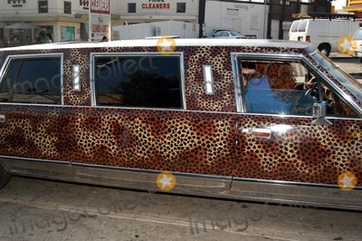 """Anna Nicole Smith, Queen, The Cast Photo - Anna's Limo at The Abbey in West Hollywood for both the proclamation of """"Anna Nicole Smith Day"""" and the casting of drag queen Anna look-a-likes for the movie """"Wasabi Tuna"""" 02-18-03"""