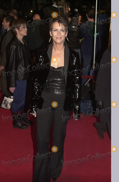 "Jamie Lee Curtis, Jamie Lee Photo -  Jamie Lee Curtis at the premiere of Destination Film's ""Drowning Mona"" in Westwood, 02-29-00"