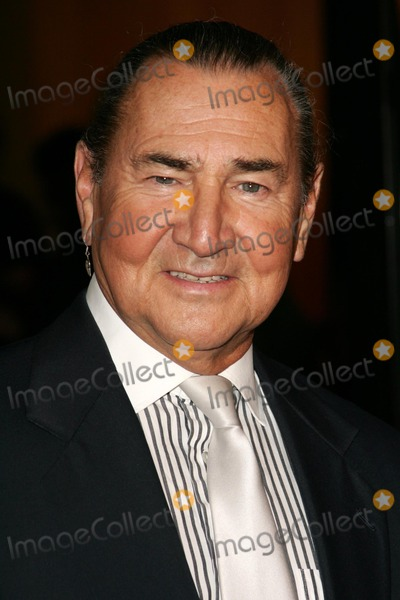 """August Schellenberg Photo - August Schellenbergat the premiere of """"The New World"""". Academy of Motion Picture Arts and Sciences, Beverly Hills, CA 12-15-05"""