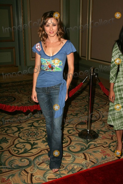 Linda Cardellini, RITZ CARLTON Photo - Linda CardelliniAt the NBC TCA Press Tour. Ritz Carlton Huntington Hotel, Pasadena, CA. 07-22-06