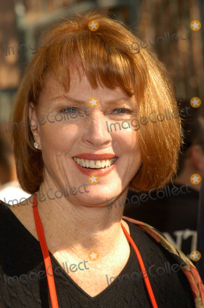 Mariette Hartley Photo - Mariette Hartley at Celebrities Reach Out To Homeless at Los Angeles Mission, Los Angeles Mission, Los Angeles, Calif., 11-26-03