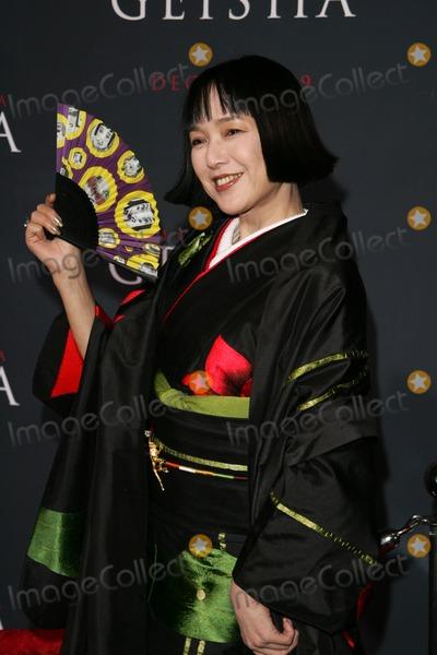 "Kaori Momoi Photo - Kaori Momoiat the premiere of ""Memoirs Of A Geisha"". Kodak Theatre, Hollywood, CA. 12-04-05"