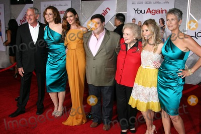 Andy Fickman, Betty White, Jamie Lee Curtis, Kristen Bell, Odette Yustman, Sigourney Weaver, Jamie Lee, Jamie Salé Photo - Sigourney Weaver, Odette Yustman, Andy Fickman, Betty White, Kristen Bell, Jamie Lee Curtis