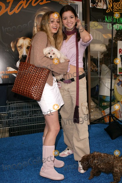 "April Gilbert, Masiela Lusha Photo - April Gilbert and Masiela Lusha at the launch of Last Chance for Animals' ""Pets & Celebrities"" at Pet Mania, Burbank, CA 11-15-03"