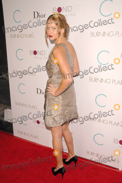 Jennifer Lawrence Photo - Jennifer Lawrenceat the Los Angeles Premiere of 'Burning Plain'. Bond Street, Beverly Hills, CA. 09-14-09