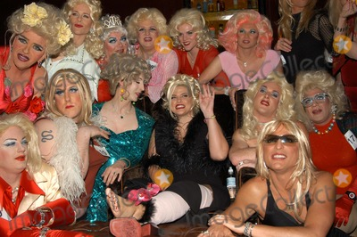 "Anna Nicole Smith, Queen, The Cast Photo - Anna Nicole Smith and Drag Queen Look-A-Likes at The Abbey in West Hollywood for both the proclamation of ""Anna Nicole Smith Day"" and the casting of drag queen Anna look-a-likes for the movie ""Wasabi Tuna"" 02-18-03"