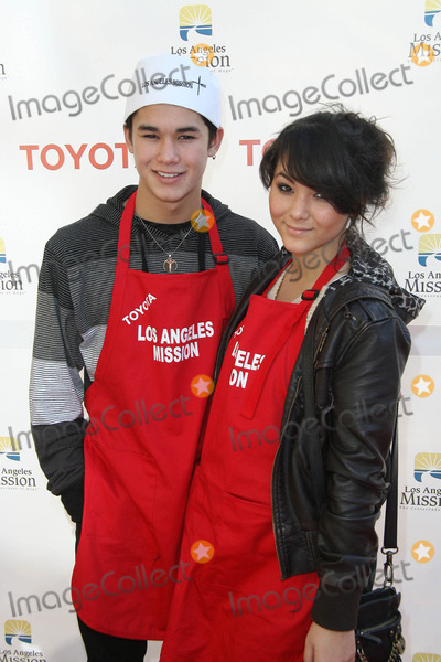 BooBoo Stewart, Eve, Fivel Stewart Photo - BooBoo Stewart and Fivel Stewart at the Christmas Eve For Homeless Served at Los Angeles Mission, Los Angeles, CA. 12-24-10