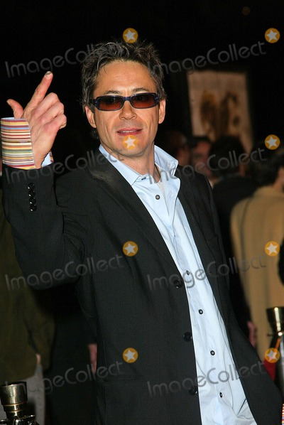 "Robert Downey Jr., Robert Downey Jr, Robert Downey, Jr. Photo - Robert Downey Jr. at the world premiere of Warner Bros. ""Alexander"" at the Chinese Theater, Hollywood, CA 11-16-04"