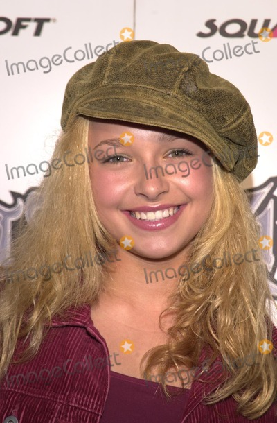 "Hayden Panettiere Photo - Hayden Panettiere at the pre-launch party for the new ""Kingdon Hearts"" video game for Playstation 2, jointly produced by Disney and Square, at W Hotel, Westwood, 08-28-02"