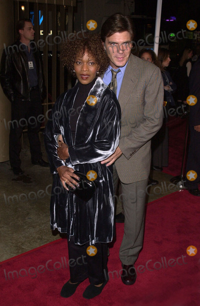 """Alfre Woodard Photo -  Alfre Woodard and Date at the premiere of New Line Cinema's """"Lost Souls"""" in Hollywood, 10-11-00"""