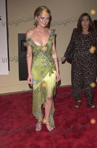 """Kirsten Dunst Photo -  Kirsten Dunst at the premiere of """"Bring It On"""" in Westwood. 08-22-00"""