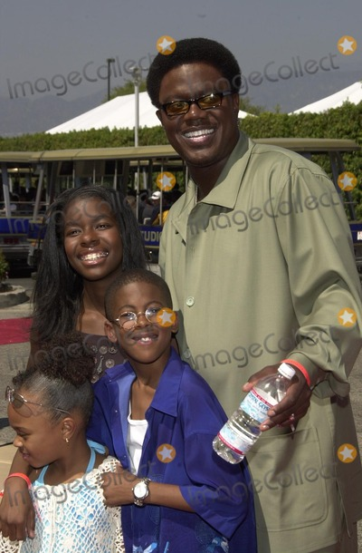 Bernie Mac Photo - Bernie Mac and cast at the 2002 Teen Choice Awards, Presented by Fox, at the Universal Amphitheater, Universal City, CA 08-04-02