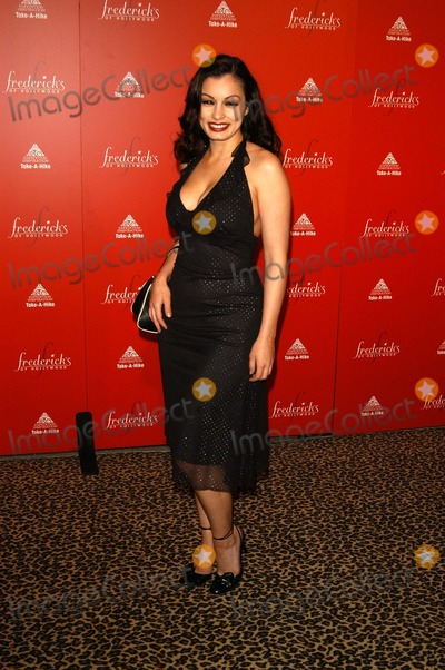 """Aria Giovanni Photo - Aria Giovanni at Frederick's of Hollywood's Fall 2003 Collection dubbed """"The Original Sex Symbol"""" to benefit Take-A-Hike, Smashbox Studios, Culver City, CA 04-01-03"""