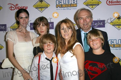 James Keach, Jane Seymour Photo - Jane Seymour and James Keach with family