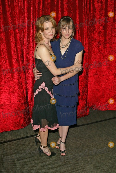 Lea Thompson, Léna Jam-Panoï Photo - Lea Thompson and Madeline Thompson