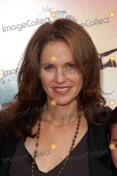 """Amy Brenneman Photo - Amy Brenneman at the """"Cloudy With A Chance of Meatballs 2"""" Los Angeles Premiere, Village Theater, Westwood, CA 09-21-13"""