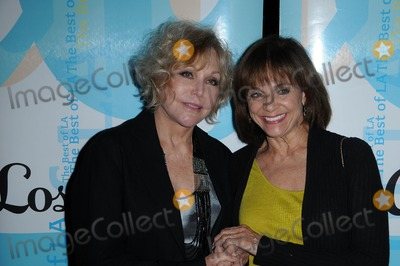 Kim Novak, Valerie Harper Photo - Kim Novak and Valerie Harper