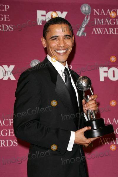 Barack Obama Photo - Barack Obama at the 36th NAACP Awards Press Room, Dorothy Chandler Pavilion, Los Angeles, CA 03-19-05