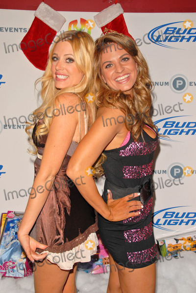 Bridgetta Tomarchio, Holly King, Hollies, King Sunny Adé Photo - Holly King and Bridgetta Tomarchio at Bridgetta Tomarchio B-Day Bash and Babes in Toyland Toy Drive, Lucky Strike, Hollywood, CA. 12-04-09