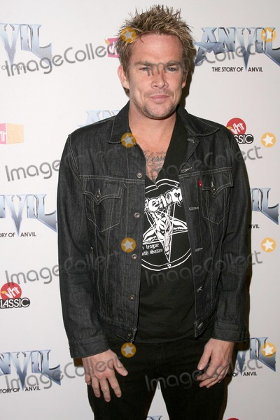 Anvil, Anvil !, Anvil!, Mark McGrath, Teairra Marí Photo - Mark McGrath at the Los Angeles Premiere of 'Anvil! The Story of Anvil'. The Egyptian Theatre, Hollywood, CA. 04-07-09