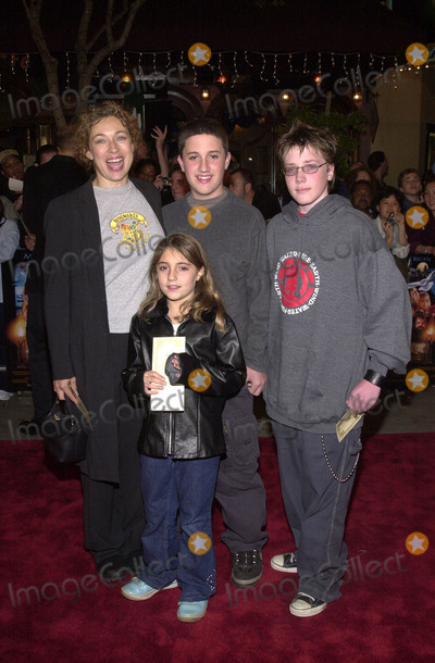 """Alex Kingston Photo - Alex Kingston and kids at the premiere of Waner Brothers' """"Harry Potter and the Sorcerors Stone"""" at Mann's Village, Westwood, 11-14-01"""