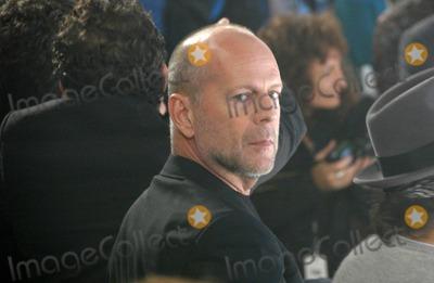 Bruce Willis Photo - Bruce Willisinside at the 2006 GM TEN Fashion Show. Paramount Studios, Hollywood, CA. 02-20-07