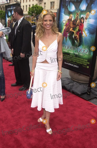 "Sarah Michelle Gellar, Scooby-Doo, Scooby Doo, Sarah Michelle-Gellar Photo - Sarah Michelle Gellar at the premiere of Warner Brothers' ""Scooby Doo"" at the Chinese Theater, Hollywood, 06-08-02"
