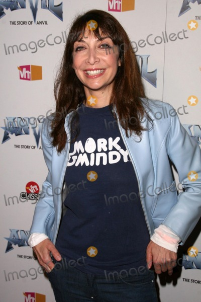 Illeana Douglas, Anvil, Anvil !, Anvil! Photo - Illeana Douglas at the Los Angeles Premiere of 'Anvil! The Story of Anvil'. The Egyptian Theatre, Hollywood, CA. 04-07-09