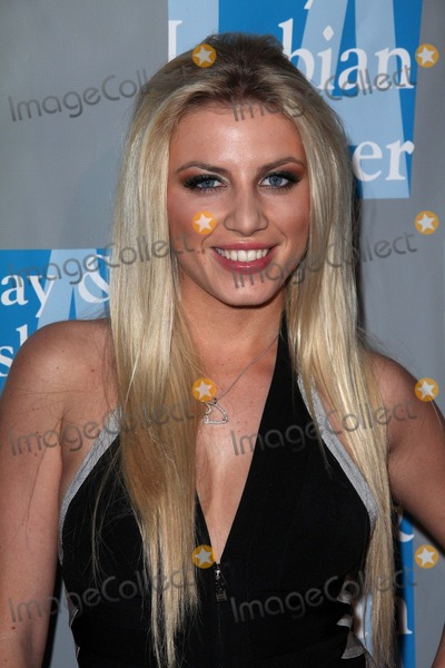 """Photo - Grace at the L.A. Gay and Lesbian Center's """"An Evening With Women,"""" Beverly Hilton Hotel, Beverly Hills, CA. 04-16-11"""