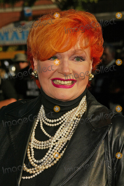 """Ann Robinson, Anne Robinson Photo - Ann Robinson  at the """"War of the Worlds"""" Los Angeles Premiere, Chinese Theater, Hollywood, CA 06-27-05"""