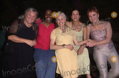 Tyne Daly, Wendie Malick, Mariette Hartley, Wendy Malick Photo -  Tyne Daly, Earnestine Phillips, Ellen Geer, Wendie Malick and Mariette Hartley at The Strength of Women at the Will Geer Theatricum Botanicum. 08-19-00