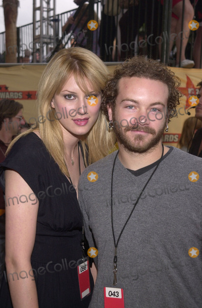 Danny Masterson Photo -  Danny Masterson and date at the 2001 MTV Movie Awards, Shrine Auditorium, Los Angeles, 06-02-01