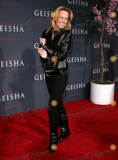 "Photo - Samantha Phillipsat the premiere of ""Memoirs Of A Geisha"". Kodak Theatre, Hollywood, CA. 12-04-05"