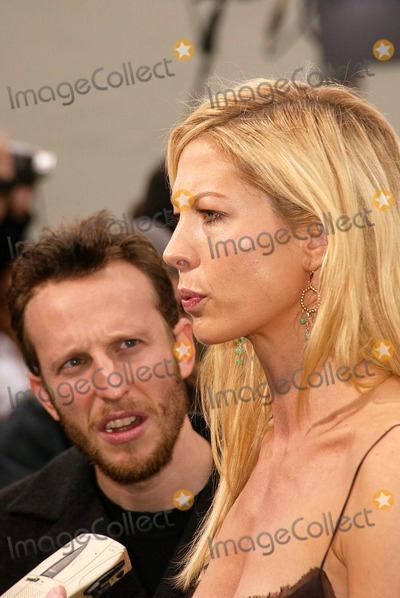 """Bodhi Elfman, Jenna Elfman Photo - Bodhi Elfman and Jenna Elfman at the World Premiere of Warner Bros. """"Looney Tunes Back In Action"""" at the Chinese Theater, Hollywood, CA 11-09-03"""