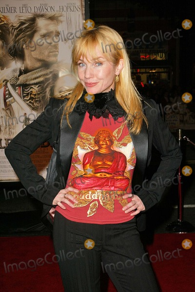 "Rebecca De Mornay, Rebecca DeMornay Photo - Rebecca De Mornay at the world premiere of Warner Bros. ""Alexander"" at the Chinese Theater, Hollywood, CA 11-16-04"