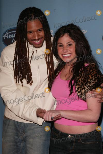 "Anwar Robinson, Mikalah Gordon Photo - Anwar Robinson and Mikalah Gordon at the ""American Idol Top 12 Finalists"" Party, Astra West, West Hollywood, CA 03-09-05"