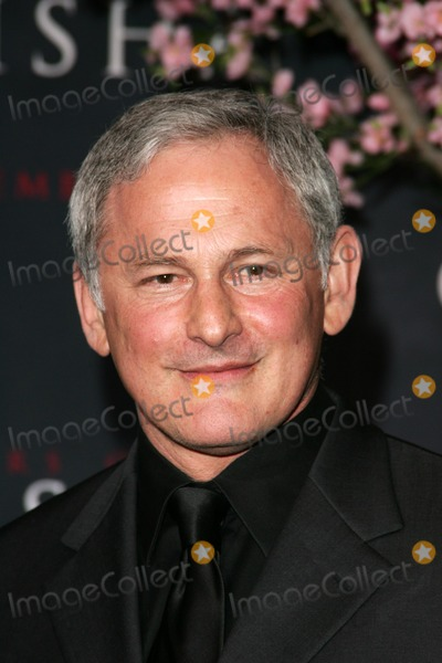 Victor Garber Photo - Victor Garber