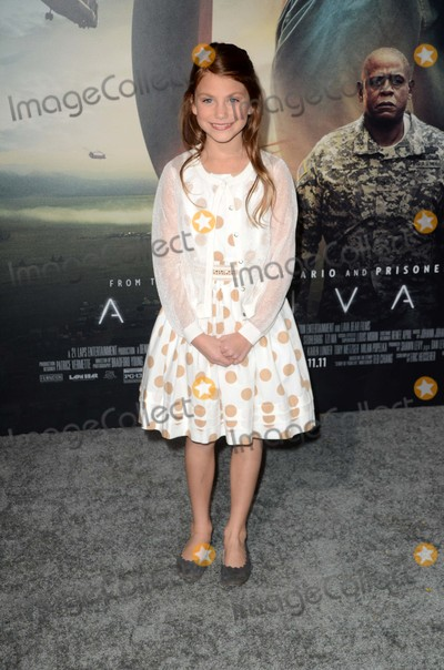 "Abigail Pniowsky Photo - Abigail Pniowsky at the ""Arrival"" Los Angeles Premiere, Village Theater, Westwood, CA 11-06-16"