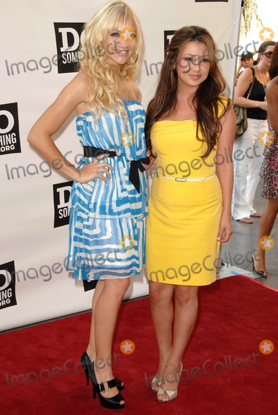 """Aundrea Fimbres, Shannon Bex Photo - Shannon Rae Bex and Aundrea Fimbres at """"The Do Something Awards"""" Pre Party for The 2008 Teen Choice Awards. Level3, Hollywood, CA. 08-02-08"""