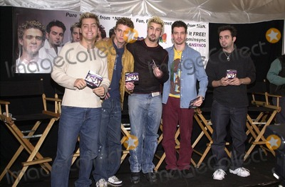 "*N SYNC Photo -  N Sync at a press conference to lend their name to the new Microsoft ""MSN Project,"" Beverly Hills, 11-28-00"