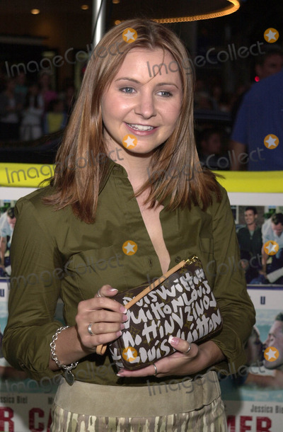 """Beverley Mitchell Photo -  BEVERLEY MITCHELL at the premiere of Warner Brother's """"Summer Catch"""" at Mann's Village Theater, Westwood, 08-22-01"""