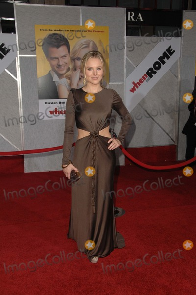 """Kristen Bell Photo - Kristen Bell at the """"When In Rome"""" World Premiere, El Capitan Theatre, Hollywood, CA. 01-27-10"""