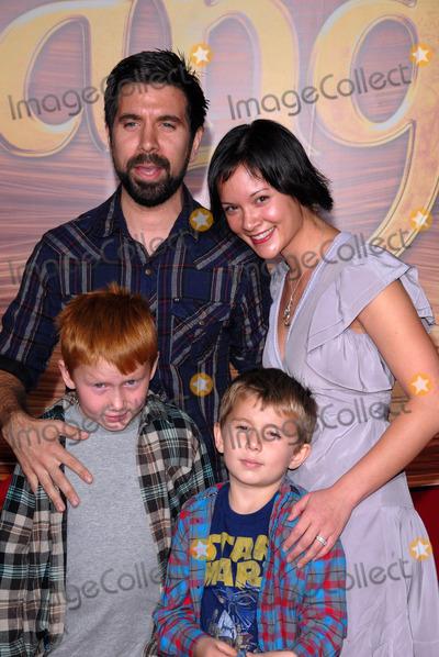 "Gomez, Joshua Gomez, Amy Pham Photo - Joshua Gomez and Amy Pham at the ""Tangled"" World Premiere, El Capitan Theatre, Hollywood, CA. 11-14-10"
